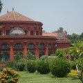 The State Central Library is housed in the Seshadru Iyer Memorial Building in Cubbon Park. It was renovated in 2007. (Photo: Kelly Zegers)